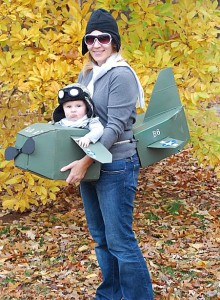 halloween-baby-and-parent-in-airplane